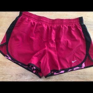 Nike Dri Fit Shorts size Large